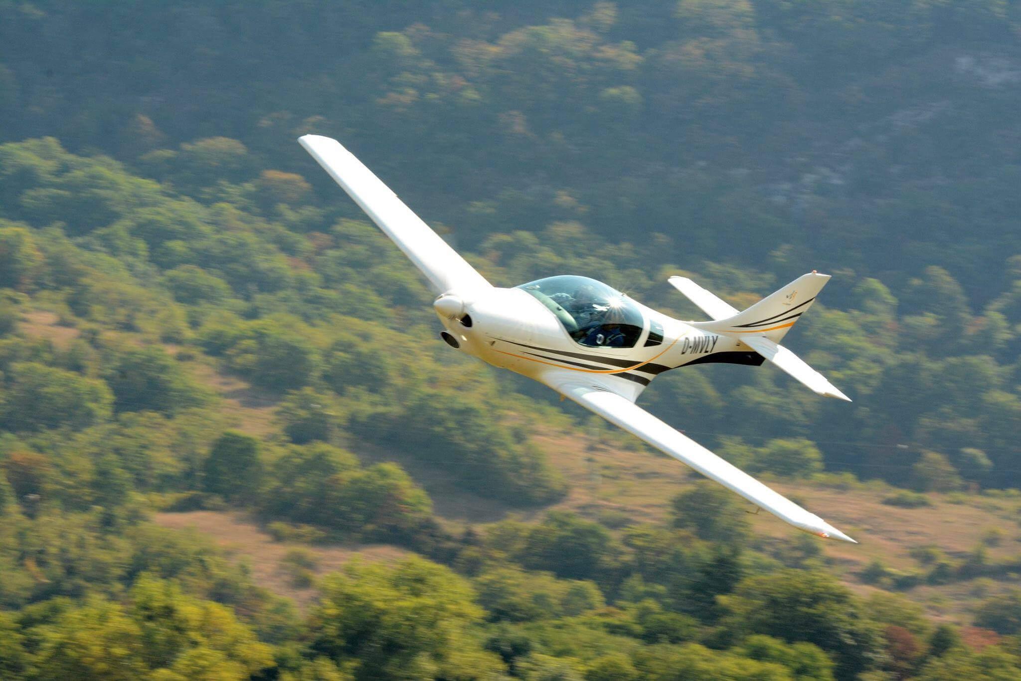 VL3 - World's fastest UL aircraft